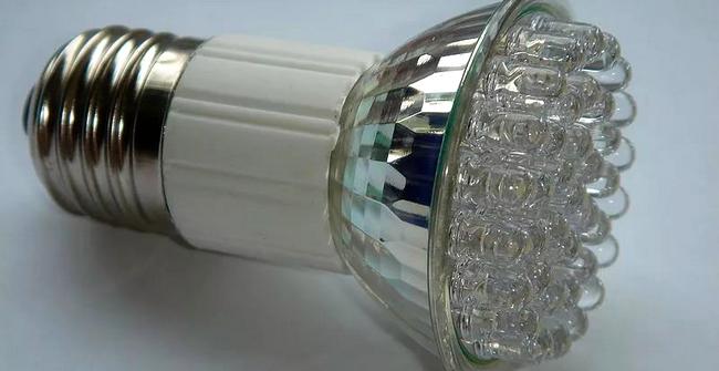светодиодные лампочки для инкубатора