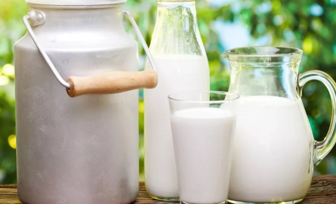 много молока