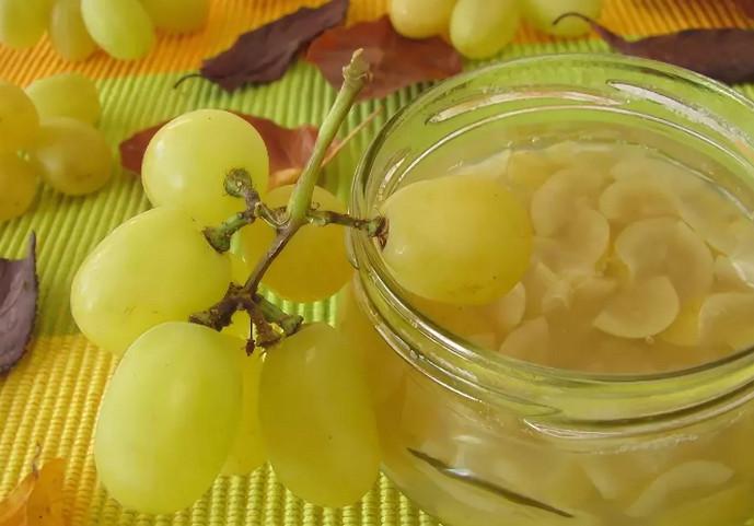 варенье и виноград