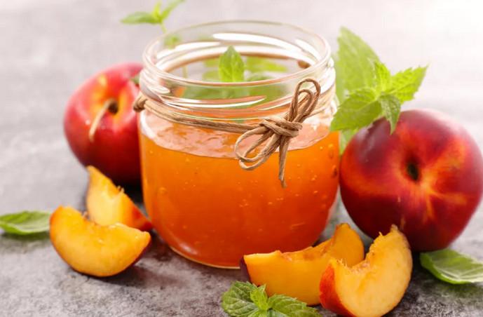 варенье и персик